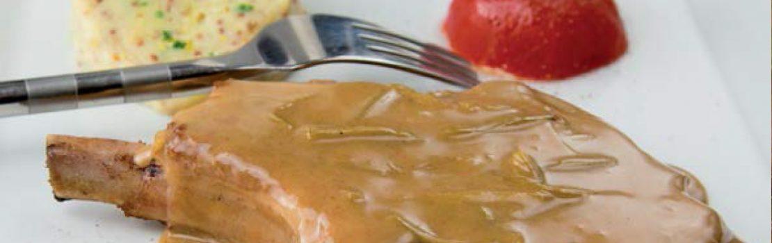 Côtes de porc charcutières, pomme purée Fermiers d'Argoat